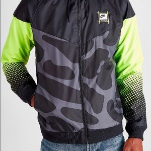 Nike men's large classic wind runner jacket